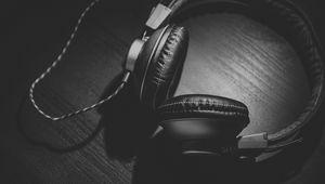 Preview wallpaper headphones, bw, headset