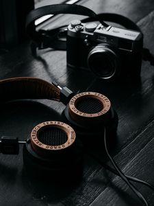 Preview wallpaper headphones, camera, retro, table, dark, audio