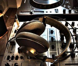 Preview wallpaper headphones, installation, music