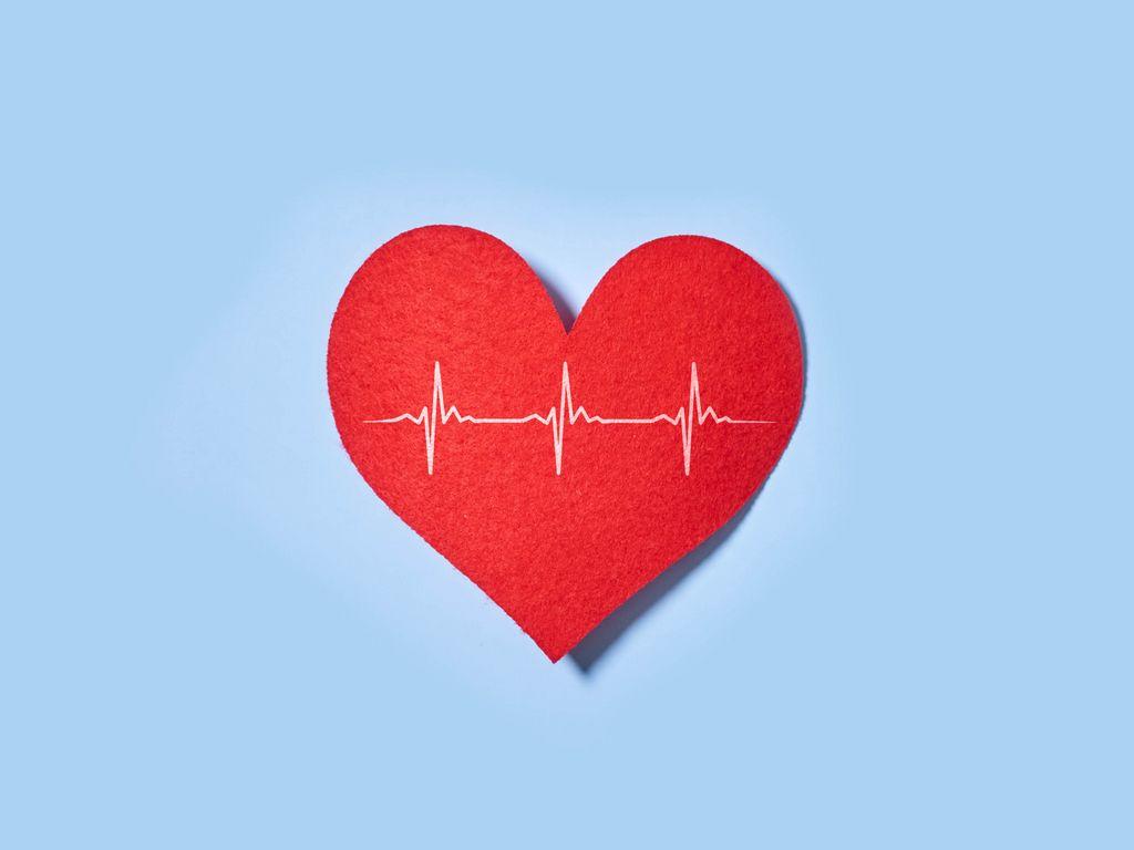 1024x768 Wallpaper heart, paper, pulse, line, love