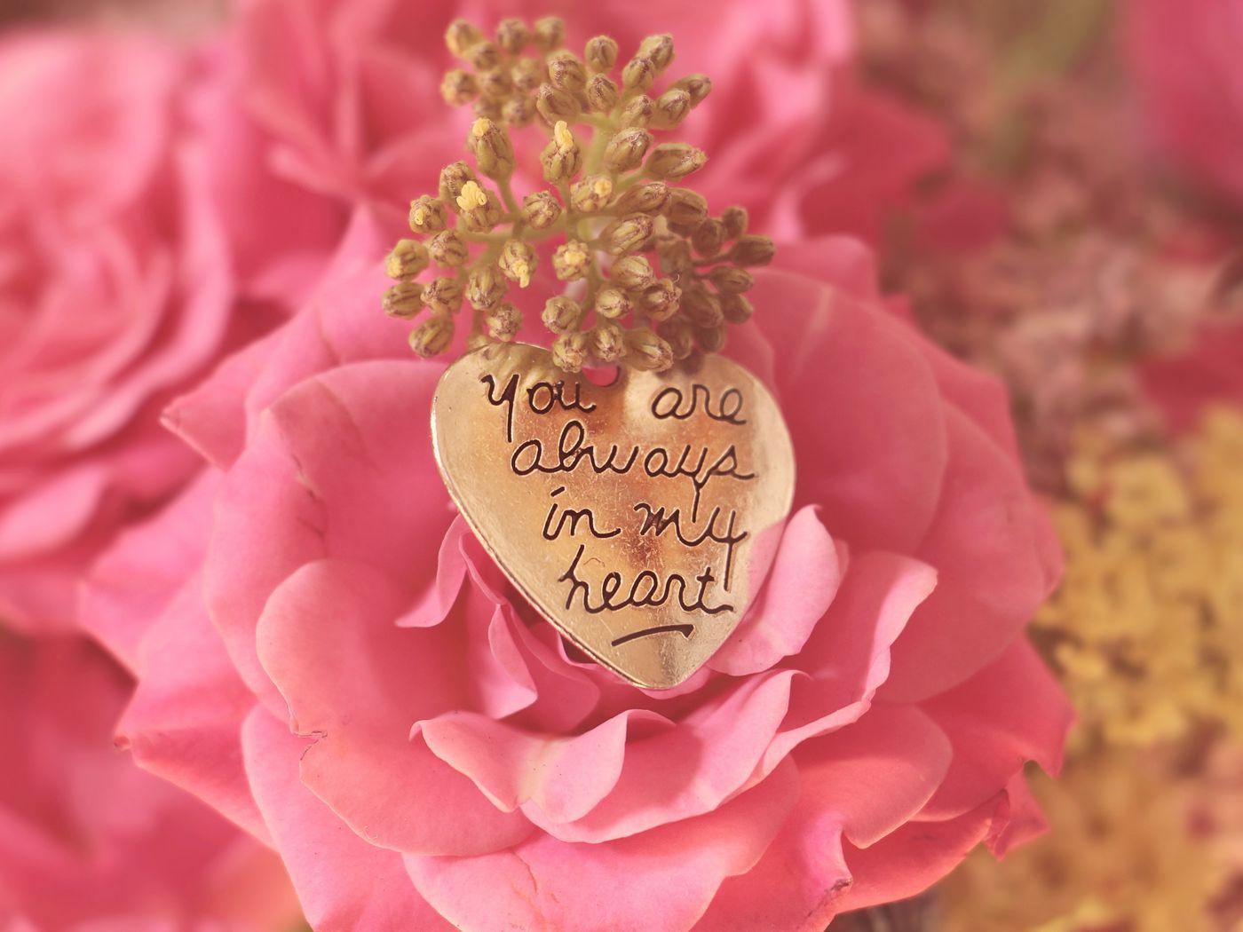 1400x1050 Wallpaper heart, pendant, love, inscription, confession, romance