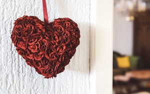 Preview wallpaper heart, roses, petals, red, white