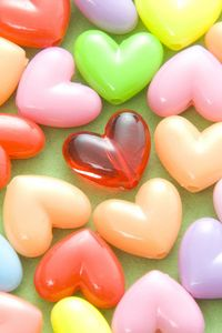 Preview wallpaper hearts, beads, colored