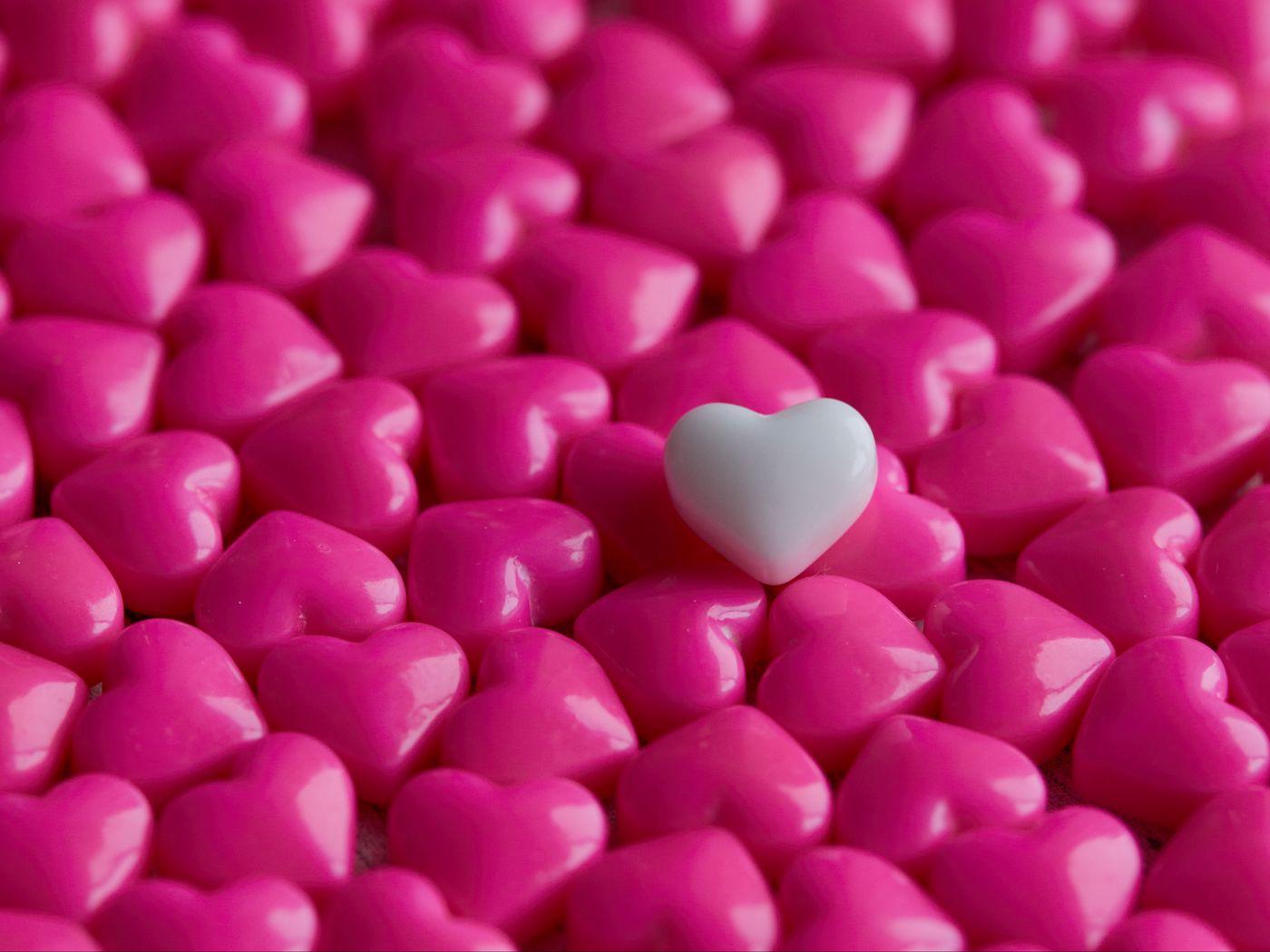 1400x1050 Wallpaper hearts, candy, macro, love