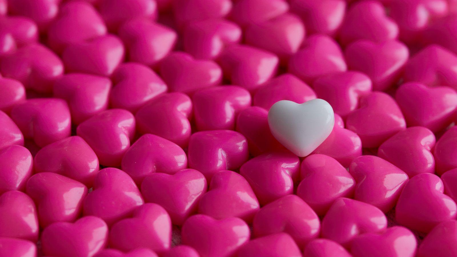 1600x900 Wallpaper hearts, candy, macro, love
