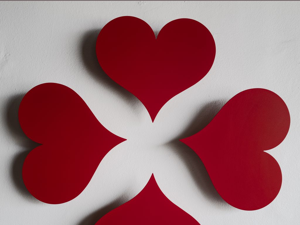 1024x768 Wallpaper hearts, paper, red, white