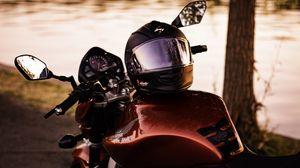 Preview wallpaper helmet, motorcycle, honda, bike