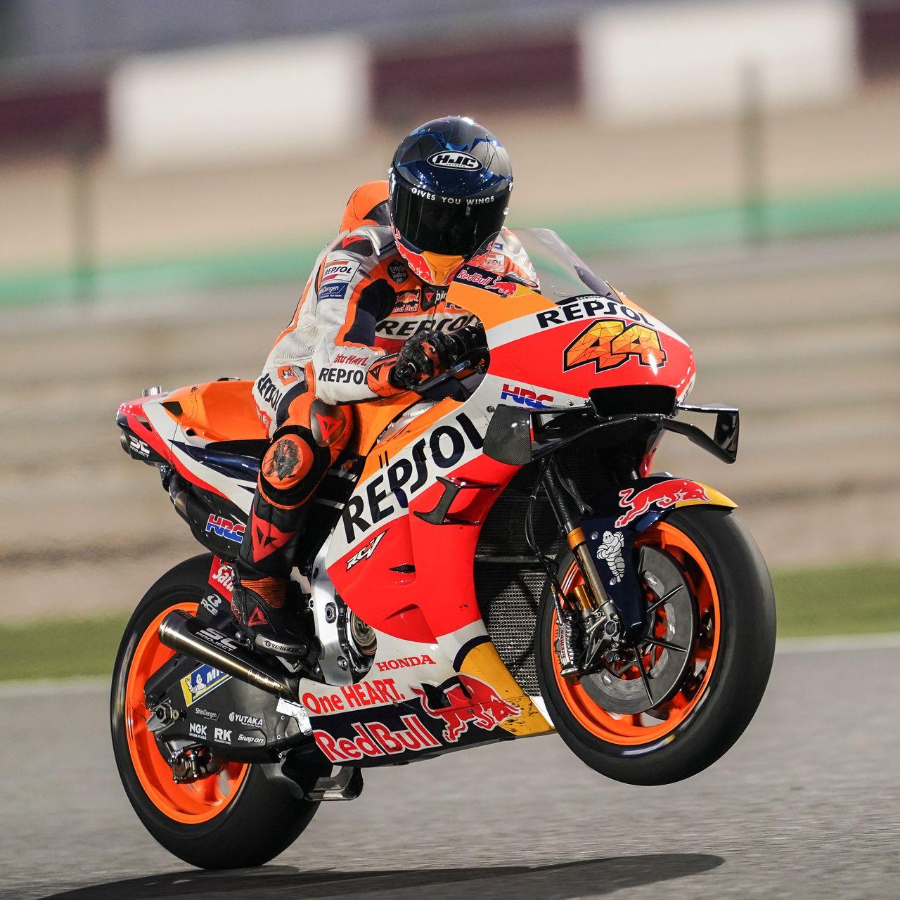 1280x1280 Wallpaper honda, motorcycle, motorcyclist, helmet, speed, track, orange