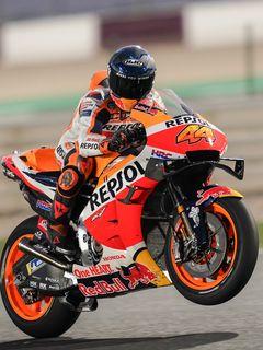 240x320 Wallpaper honda, motorcycle, motorcyclist, helmet, speed, track, orange