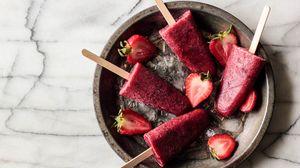 Preview wallpaper ice cream, ice, strawberries, berries
