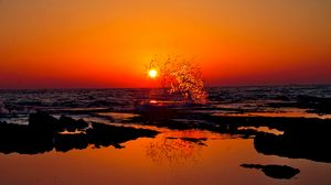 Preview wallpaper india, sunset, splash, beach, ocean