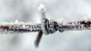 Preview wallpaper iron, wire, snowy, snow