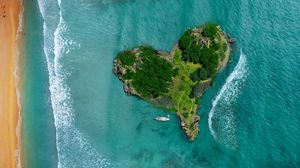 Preview wallpaper island, heart, ocean, view from above