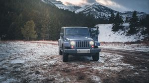 Preview wallpaper jeep, car, suv, gray, snow, mountains, winter