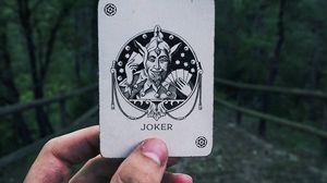Preview wallpaper joker, card, hand
