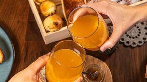 Preview wallpaper juice, glasses, hands, breakfast, food