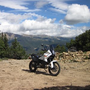 Preview wallpaper ktm, motorcycle, bike, white, cliff, mountains