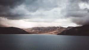 Preview wallpaper lake, mountains, pangong tso, india