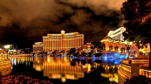 Preview wallpaper las vegas, night, hotel, building, reflection, fountain