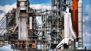 Preview wallpaper launching pad, spaceport, shuttle, clouds, running