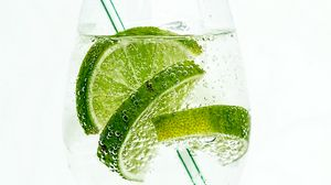 Preview wallpaper lime, drink, bubbles, tube