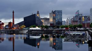 Preview wallpaper liverpool, river, buildings, night, beach