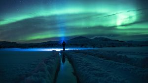 Preview wallpaper lonely, loneliness, northern lights, north
