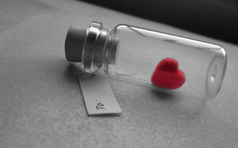 1440x900 Wallpaper love, heart, bank, tag, glass, silver