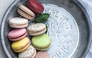Preview wallpaper macarons, cookies, colorful, dessert, mint