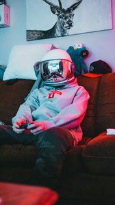Preview wallpaper man, helmet, gamer, gamepad, game, games, gaming