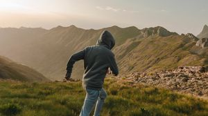 Preview wallpaper man, run, alone, nature, free