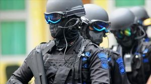 Preview wallpaper soldier, special forces, military, mask, helmet, rifle, army