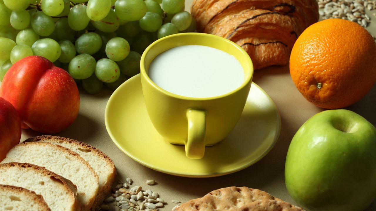 Wallpaper milk, fruit, bread
