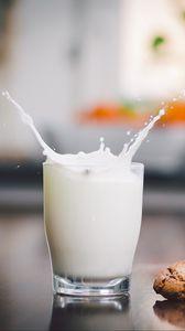 Preview wallpaper milk, glass, cookies, splashes, drops