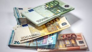 Preview wallpaper money, bills, euro, currency