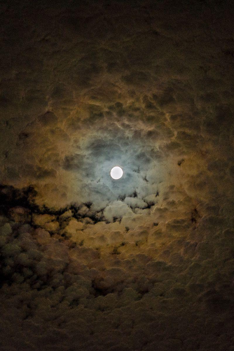 800x1200 Wallpaper moon, clouds, sky, night