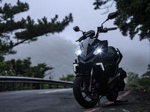 Preview wallpaper motorcycle, bike, black, headlights, light