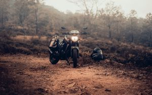 Preview wallpaper motorcycle, bike, helmet, black, nature