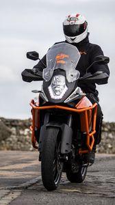 Preview wallpaper motorcycle, bike, motorcyclist, helmet, road