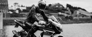 Preview wallpaper motorcycle, bike, motorcyclist, helmet, black and white, moto