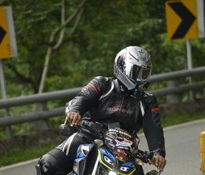 Preview wallpaper motorcycle, bike, motorcyclist, helmet