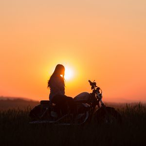 Preview wallpaper motorcycle, sunset, silhouette, solitude, loneliness