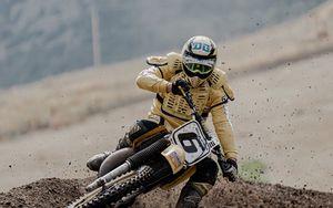 Preview wallpaper motorcycles, motorcyclist, helmet, stunt, dirt