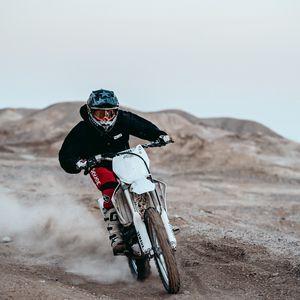 Preview wallpaper motorcyclist, racing, motorcycling, helmet