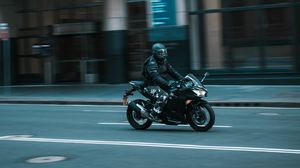 Preview wallpaper motorcyclist, speed, motorcycle