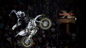 Preview wallpaper motorcyclist, sportbike, stunt, jump