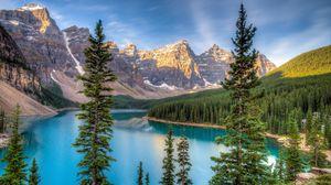 Preview wallpaper mountain, beautiful, lake, trees