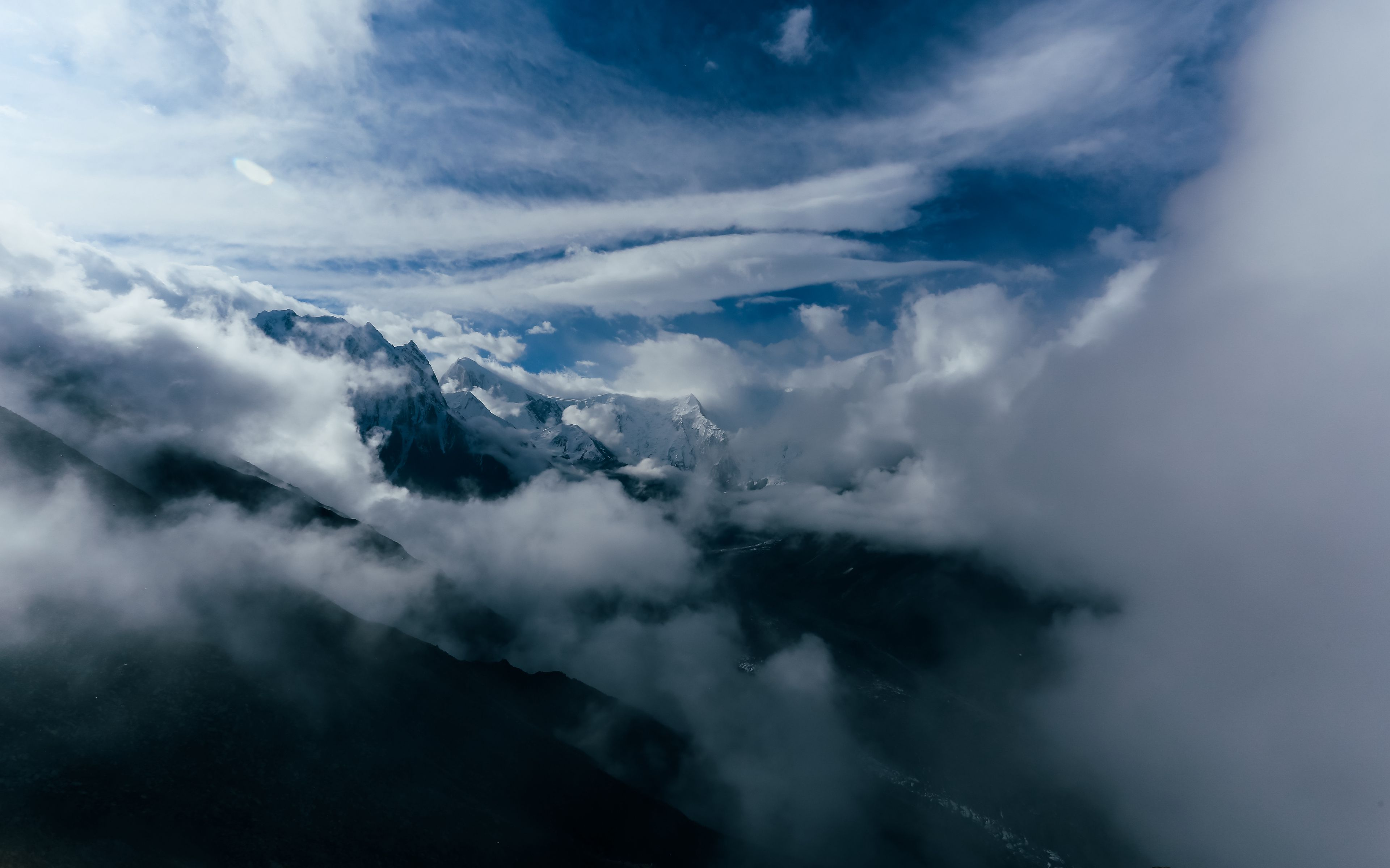 3840x2400 Wallpaper mountains, clouds, snow