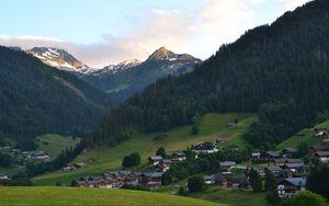 Preview wallpaper mountains, forest, houses, village, landscape