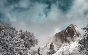 Preview wallpaper mountains, winter, snow, clouds